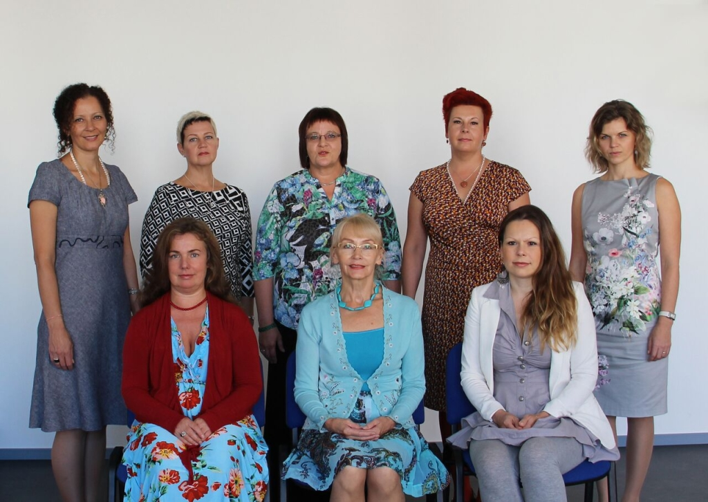 Holistika Instituudi naiskond