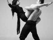 fotograaf Erik Riikoja ja tantsijad Alice Aleksandridi ja Oliver Kallion