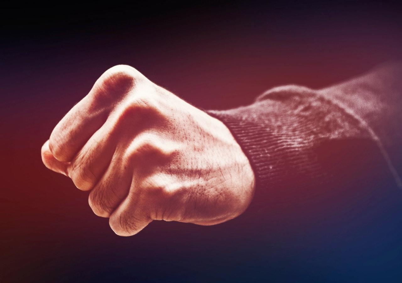 See, mille vastu võitled, jääb kestma
